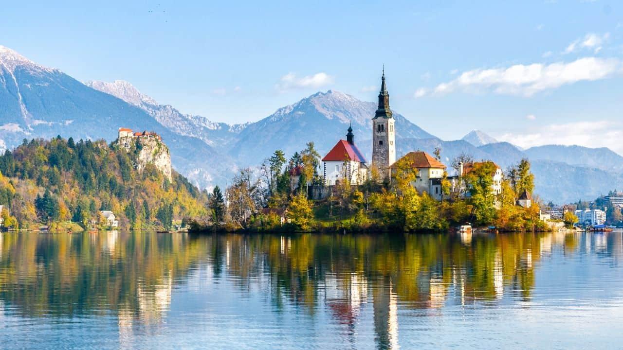 Slovenia, Lingua, cultura, costume e vita notturna
